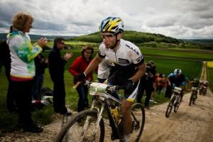 Boehme_uphill_spectators