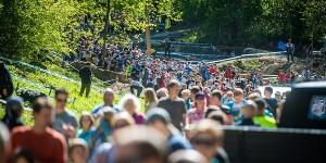 masses_of_spectators