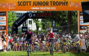 junio trophy scott