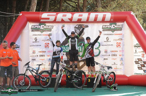 podium-women
