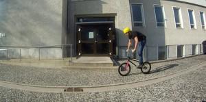 Du fahrst ganz entspannt und neutral über dem Bike an