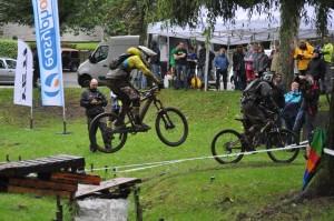 Trotz dem unangenehmen Wetter hatte sich am Ziel der Stage 6 viele Zuschauer eingefunden, gute Werbung für den Sport.