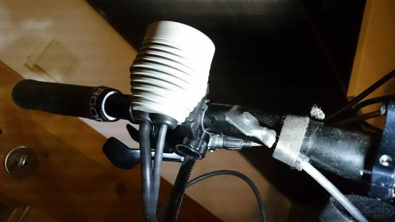 Montierte Lampe mit Taster (bitte beachten, dass es noch ein Prototyp ist)