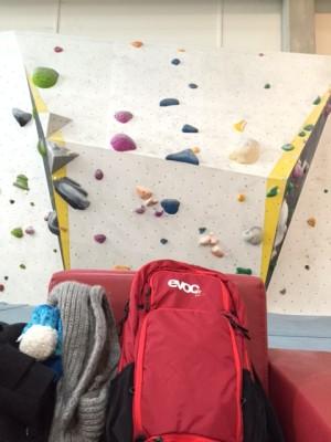 Off Topic: Der Evoc CC16l in der Boulderhalle
