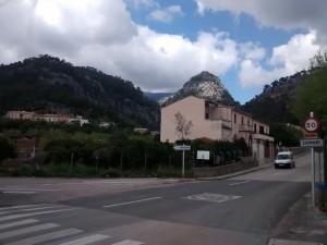 In Caimari geht es den Berg rauf Richtung Kloster Lluc