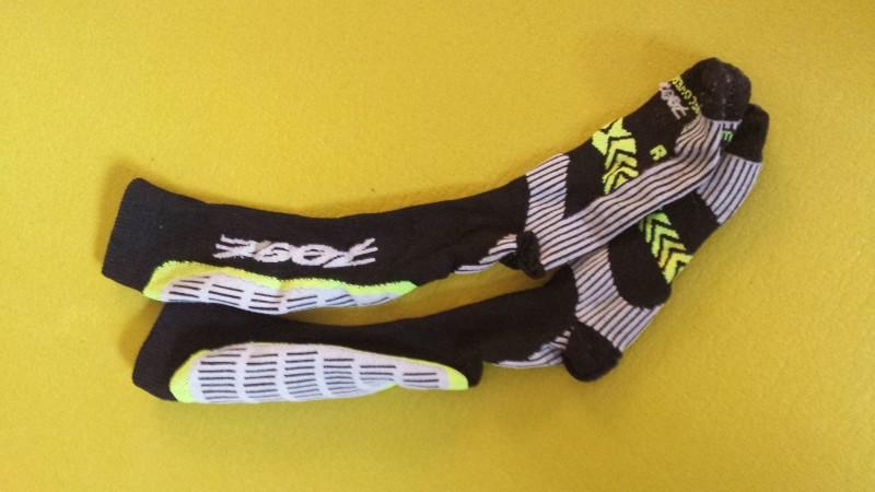 Grelle Farbe, bequeme Kompressions Socken