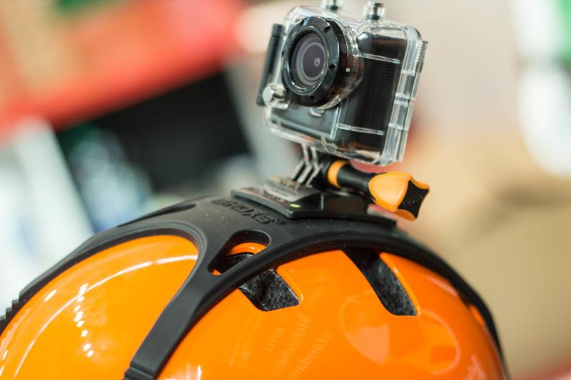 Neue Halterung zum Schutze des Helmes aus dem Hause Rollei