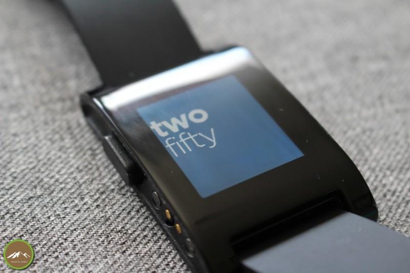 pebble-smartwatch-01