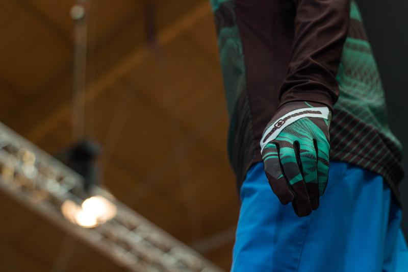 ...genau wie die dazu passenden Handschuhe