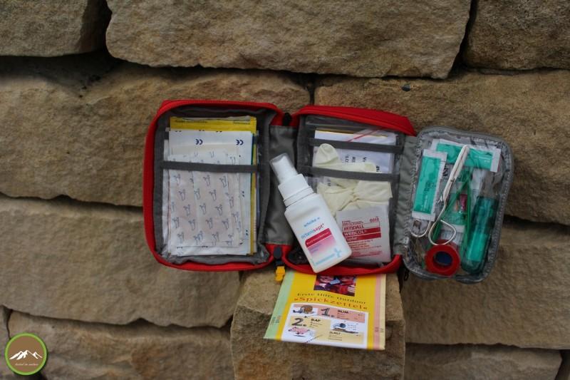 Inhalt des Tatonka First Aid Kit Basic mit eigener Erweiterung