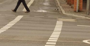 Radfahrstreifen, sogar mit Zeichen 237