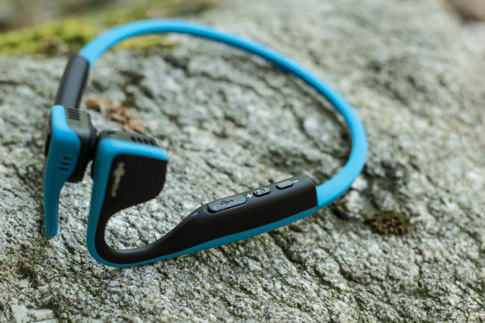 Easy going - Die Kopfhörer lassen sich auch ohne Einsatz des Handys komplett bedienen.
