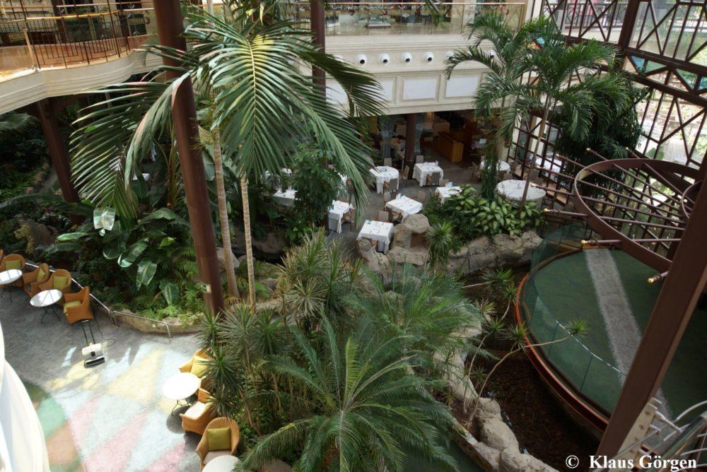 Cordial Mogán Playa: Blick in Foyer und Restaurant