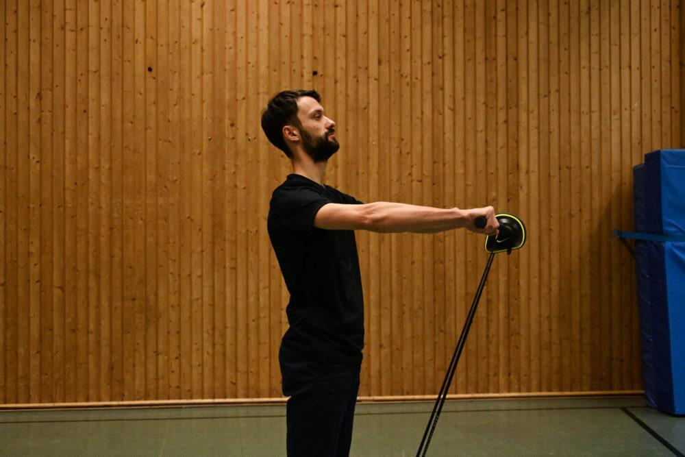 Vielseitig - In Verbindung mit den Powerbändern lassen sich etliche Übungen realisieren